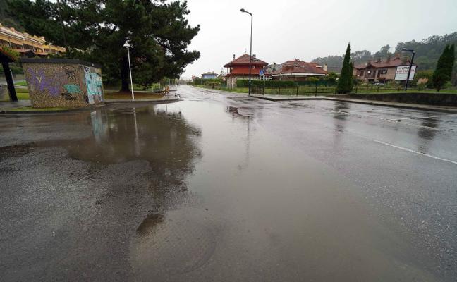 La carretera de San Pedro de la villa, de nuevo inundada por la lluvia