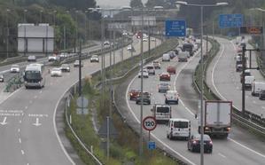 Un accidente genera un importante atasco en la 'Y' en hora punta