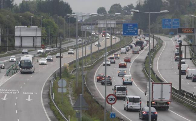 Un accidente de tráfico congestiona la autopista 'Y' en hora punta