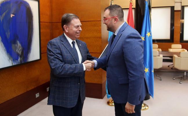 Barbón hablará con Defensa para reconducir la negociación por La Vega