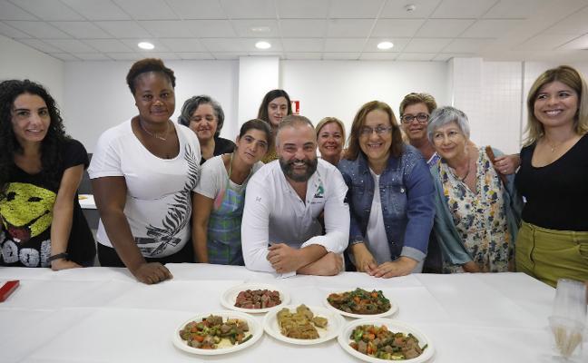 Clase magistral de Sergio Rama a once mujeres en situación de desempleo