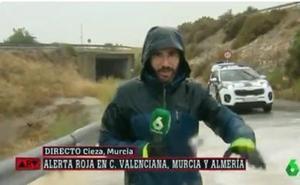 El 112 reprende a La Sexta por poner a un periodista en riesgo durante la gota fría