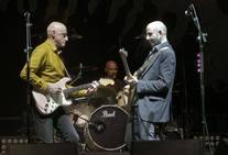 Willy Naves, Ilegales y Los Enemigos ponen la música a la noche del sábado en Oviedo