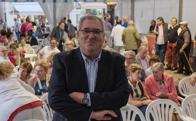 Urbano subraya la «extraordinaria relación» de Avilés con Cantabria