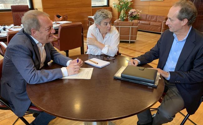 La alcaldesa defiende «imitar el modelo de Madrid Central» para restringir el tráfico