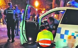 Un coche del Rally Princesa atropella a un policía local en Oviedo