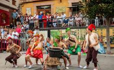 Candás disfruta sus fiestas del Cristo bailando a ritmo de charangas