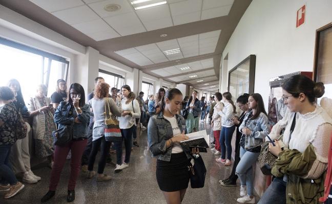Mil aspirantes a educador social