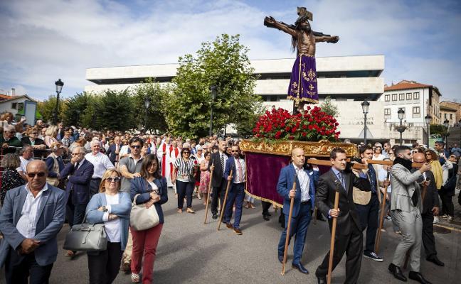 «La obra de la Cruz de los Ángeles se inició en Candás»