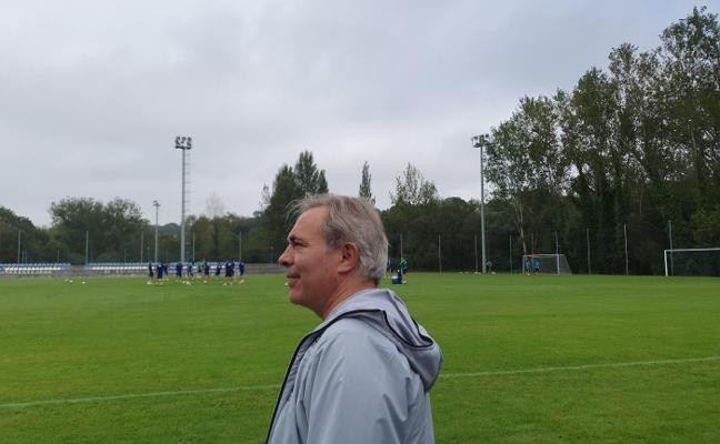 El 'coach' Álvarez Campillo asistió al entrenamiento