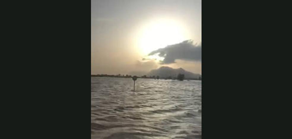 Las inundaciones no frenan a los bomberos en Los Alcázares