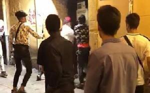 Así fue el apuñalamiento en la calle Mon de Oviedo