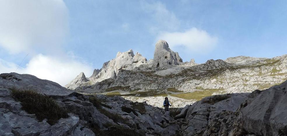 Rescatados dos senderistas belgas perdidos en Picos de Europa