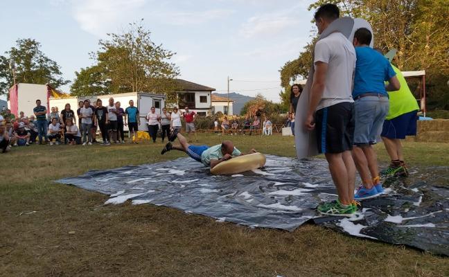El Gran Prix Rural revoluciona las fiestas de Coya, en Piloña