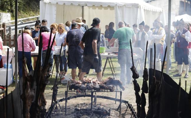 Medio millar de comensales desgustan cordero en Brañella