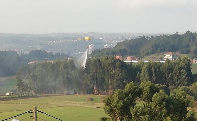 Incendio forestal en Molleda