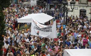 Una multitudinaria marcha por el futuro de Vesuvius