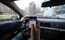La DGT inicia una campaña de vigilancia de distracciones al volante en Asturias