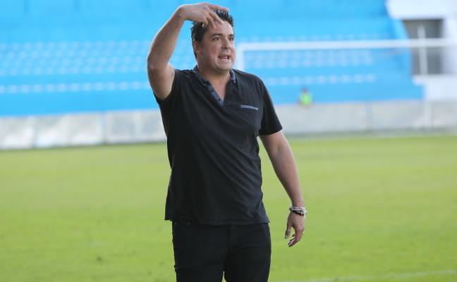 Real Avilés | Viti Amaro: «Necesitamos una victoria cuanto antes para que la ansiedad no aparezca en el equipo»