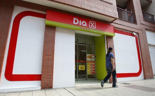 Dia cierra cinco tiendas de Max Descuento en Asturias y deja en el aire casi 40 empleos