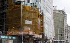 La alcaldesa de Gijón promete que «desatascará» el plan de fachadas este año