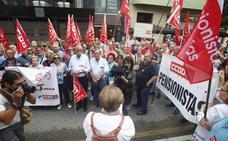 Los pensionistas se movilizan en Oviedo: «La decencia no es beneficencia»