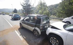 Tres heridos en una colisión en el corredor del Nalón