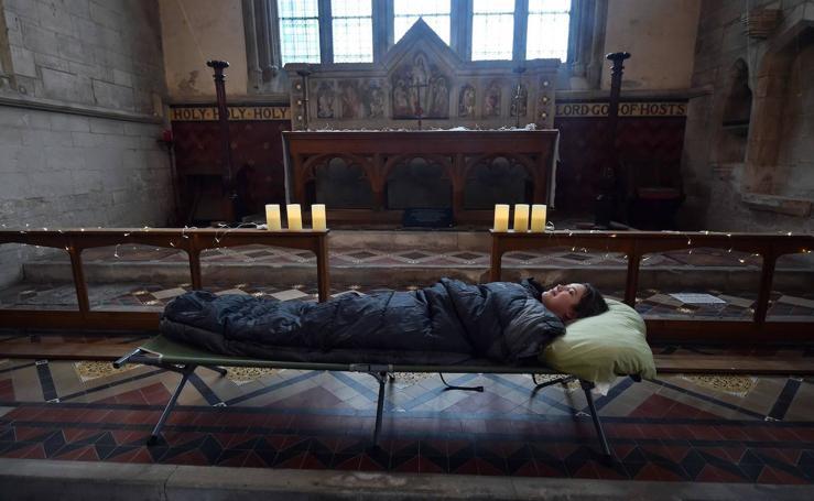 Pasar la noche en una iglesia abandonada, lo último en experiencias atrevidas