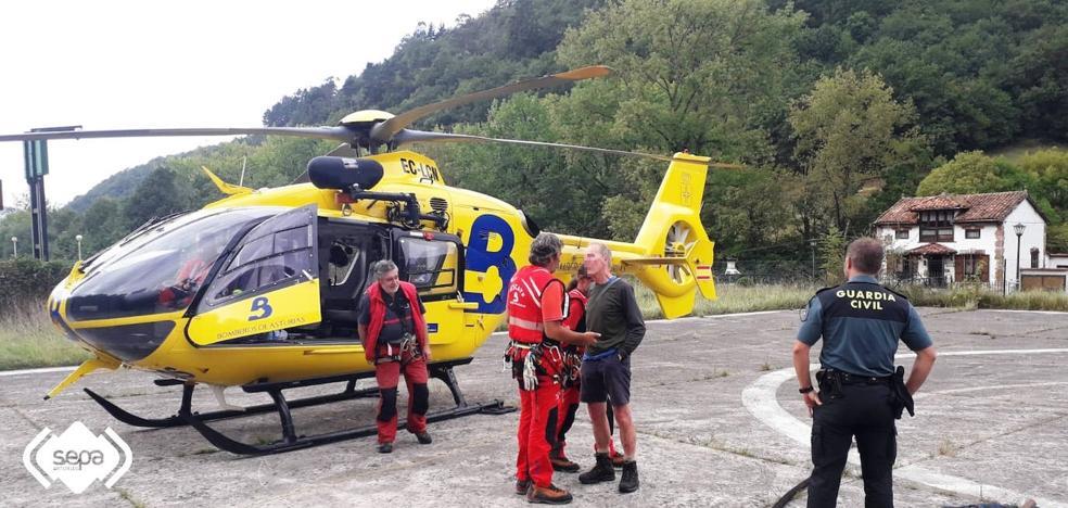 Rescatado un montañero británico que se desorientó en Llanes debido a la niebla