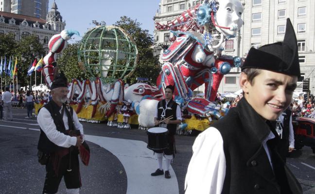 Oviedo escancia bajo sones latinos