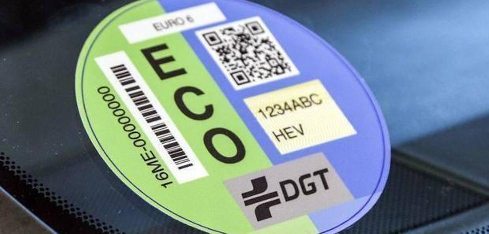Etiquetas de la DGT: consulta la pegatina que le corresponde a tu vehículo
