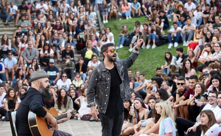 Multitudinario concierto de Rayden en El Milán (Oviedo)