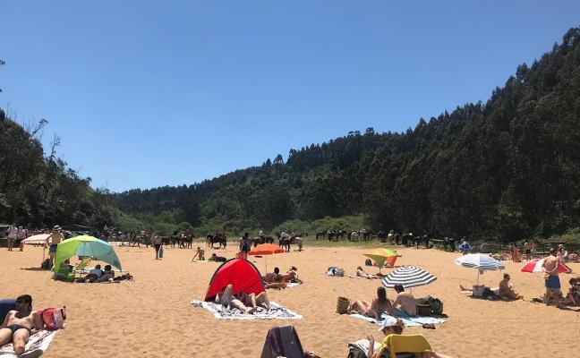 Las playas de Villaviciosa pierden 200.000 bañistas respecto al verano pasado