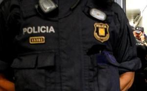 Detienen a un hombre en Barcelona por dejar morir a su pareja y grabarla mientras agonizaba