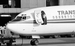 La policía griega detiene al supuesto autor del secuestro de un avión de la TWA en 1985
