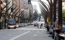 Cortes de tráfico en la avenida de la Constitución de Gijón