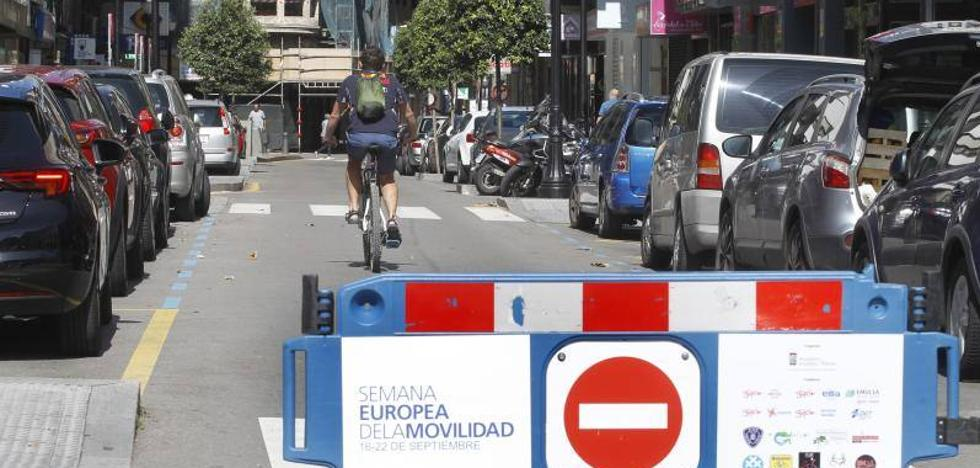 Las bicicletas dan el relevo al coche en Gijón