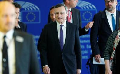 Draghi no cree que el crecimiento de la eurozona repunte a medio plazo