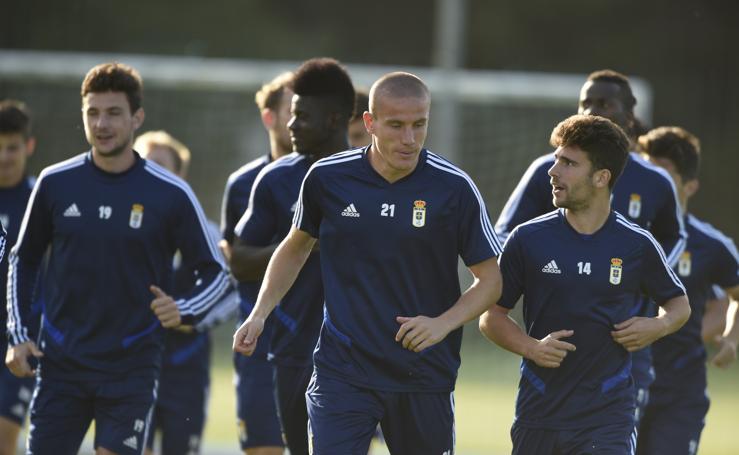 El Real Oviedo retoma los entrenamientos para salir de la crisis