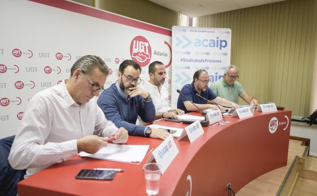 Los sindicatos alertan de una sobreocupación de 421 presos en la cárcel asturiana
