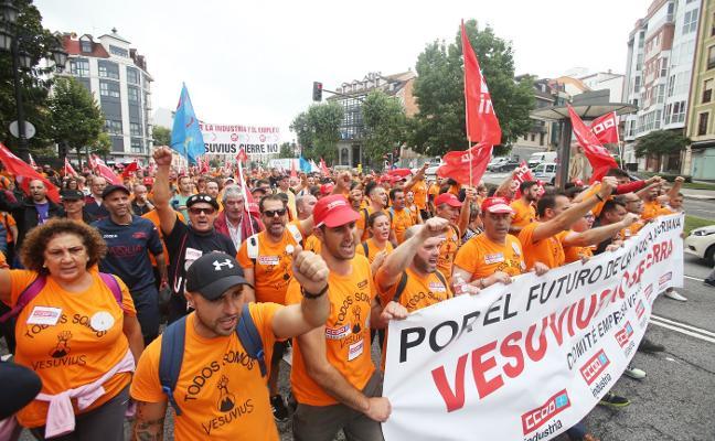 El Gobierno se reunirá con Vesuvius para intentar frenar el cierre de la planta de Langreo