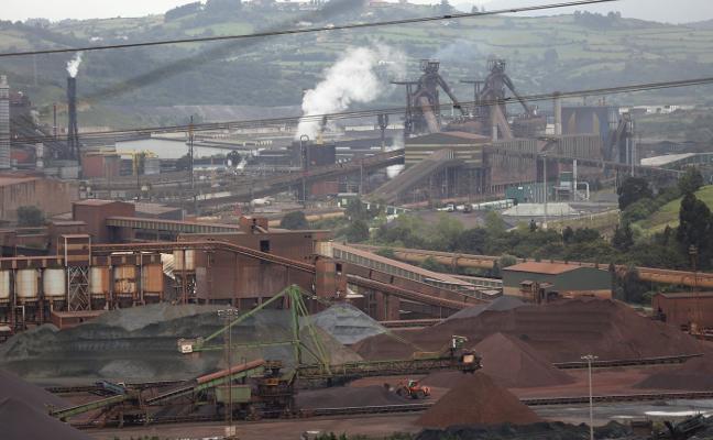La falta de convenio en Arcelor bloquea un centenar de prejubilaciones y relevos