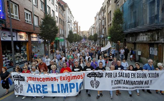 Cientos de vecinos claman por medidas anticontaminación en la zona oeste