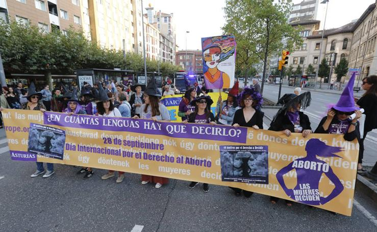 Concentración por el aborto «seguro, libre y gratuito» en Gijón