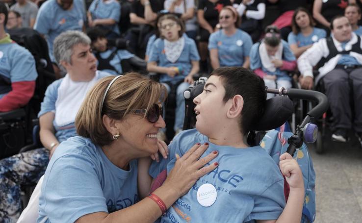 La Federación Asturiana de Organización de Atención a las personas con parálisis cerebral comienza su andadura en Gijón