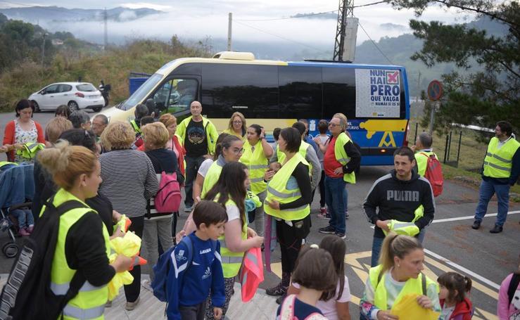 El colegio El Villar de Trubia reclaman más transporte escolar
