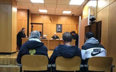 Piden nueve y siete años de prisión para los dos jóvenes por un tiroteo en un pub en La Felguera