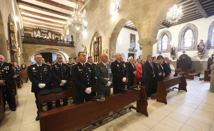 La Policía Nacional de Avilés entrega sus condecoraciones en el día de su fiesta