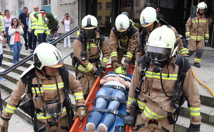 Simulacro de emergencias en la Escuela de Ingenieros de Minas (Oviedo)