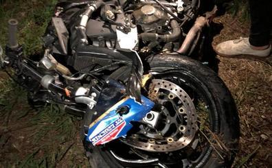 Fallece un joven tras chocar con su moto contra un coche en la N-632 en Villaviciosa